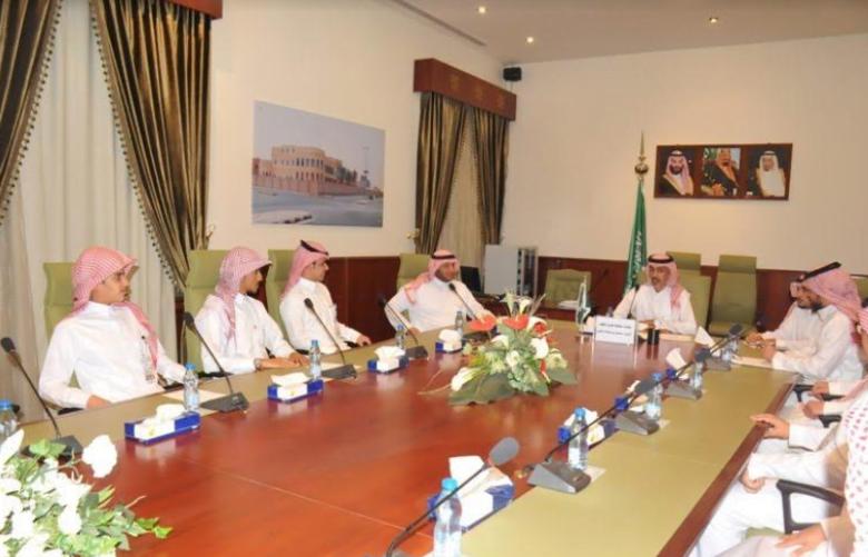 محافظ الخرج يعقد الاجتماع الأول بأعضاء اللجنة الشبابية بالمحافظة.
