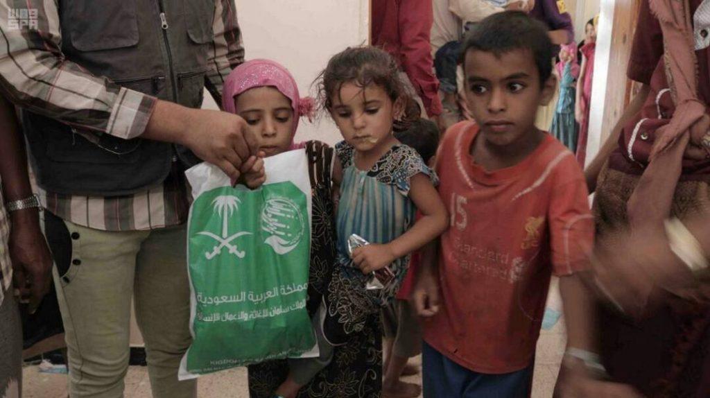 مركز الملك سلمان للإغاثة يواصل تنفيذ مشروع مكافحة سوء التغذية للأطفال في نصاب بشبوة