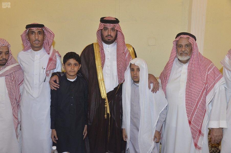 سمو وكيل إمارة منطقة مكة المكرمة للشؤون الأمنية ينقل تعازي القيادة لأسرة الشهيد حسن الزهراني