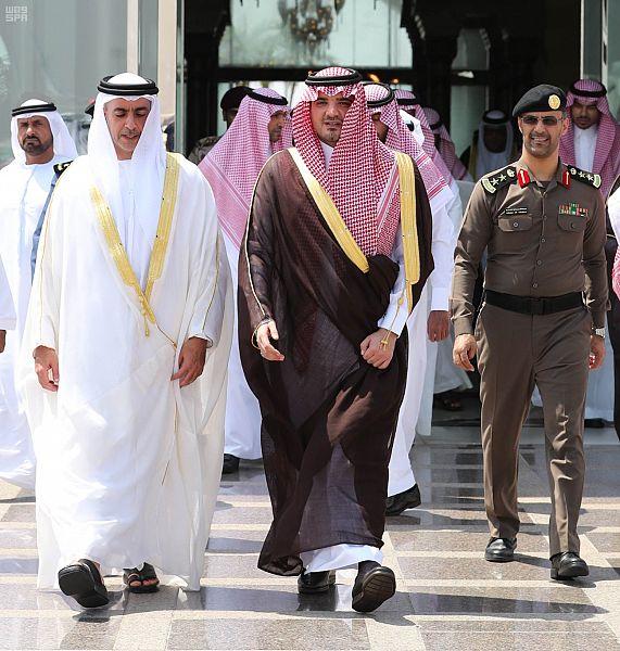 نائب رئيس مجلس الوزراء وزير الداخلية الإماراتي يغادر جدة