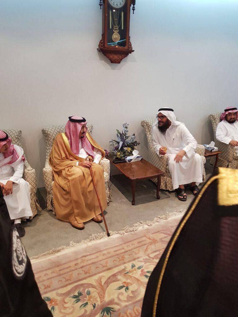 """بالفيديو و الصور.. خادم الحرمين يعزي أسرة الشيخ """" صالح السدلان"""""""