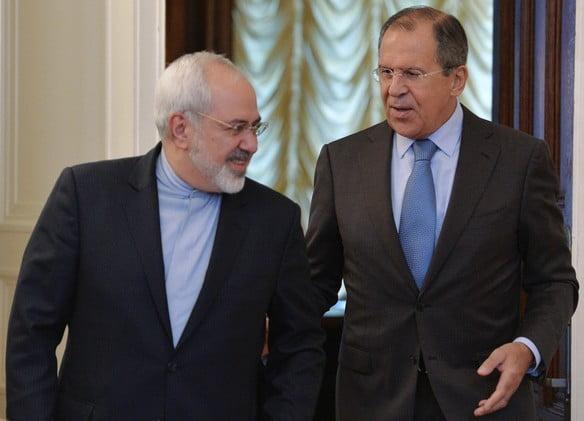 لافروف لـ ظريف : روسيا ملتزمة بالاتفاق النووي الإيراني