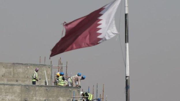 أزمة قطر الاقتصادية تتفاقم .. الدوحة مجبرة على التخلي عن مزيد من الأصول