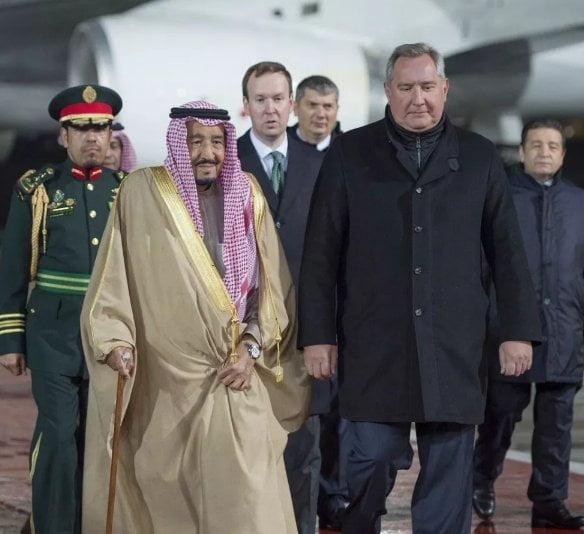 خادم الحرمين يعرب عن تطلعه بأن تحقق زيارته إلى روسيا ما يطمح له البلدان من تعزيز العلاقات الثنائية