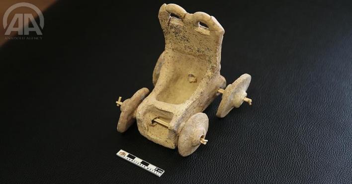 تركيا.. العثور على لعبة أطفال عمرها 5 آلاف عام