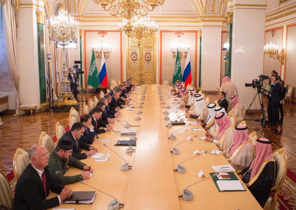 خادم الحرمين والرئيس الروسي يعقدان جلسة مباحثات رسمية