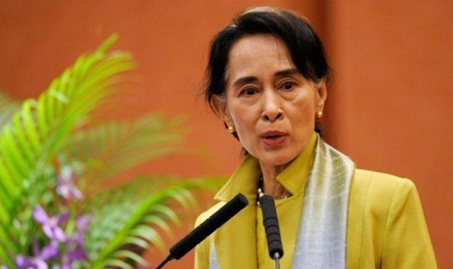 جامعة أكسفورد تزيل صورة زعيمة إرهاب ميانمار من أحد مبانيها