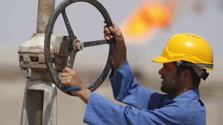 النفط ينهي موجة صعود مع عودة مخاوف التخمة