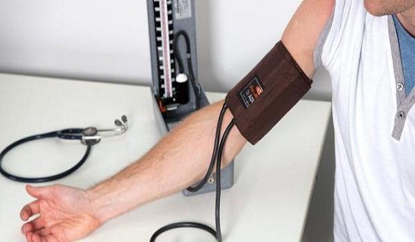 إذا كنت تملك جهاز قياس ضغط الدم في منزلك .. فعليك الحذر