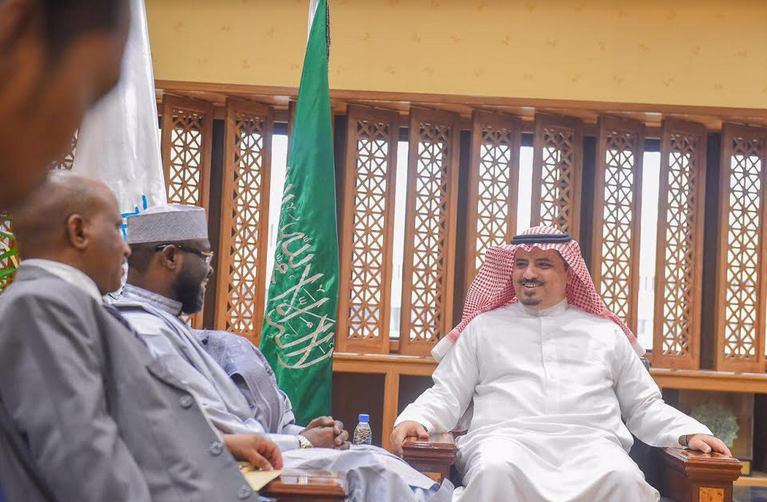 مدير جامعة القصيم يستقبل سفير تشاد بالمملكة