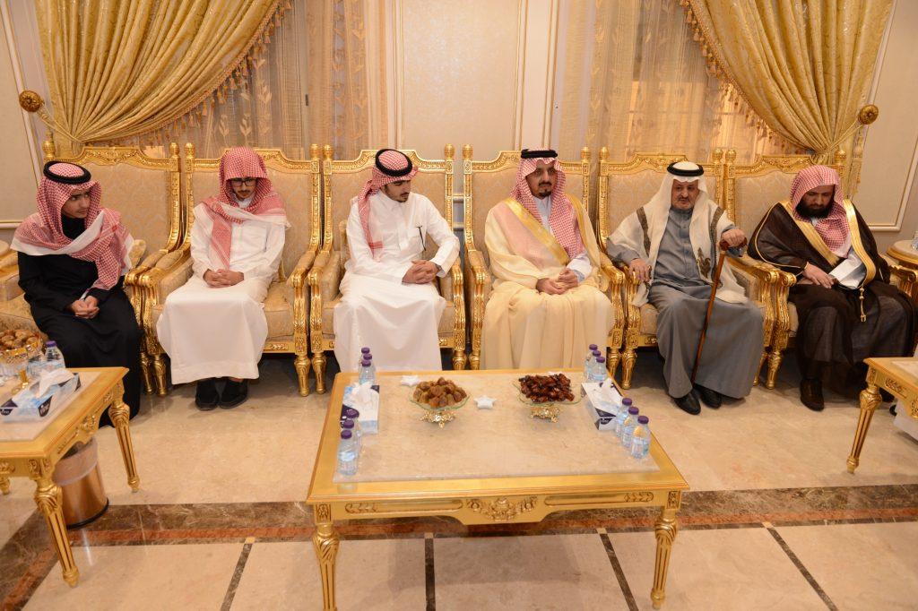 أمير عسير يعزي أسرة آل أبونقطة المتحمي في محافظ محايل محمد بن سعود المتحمي