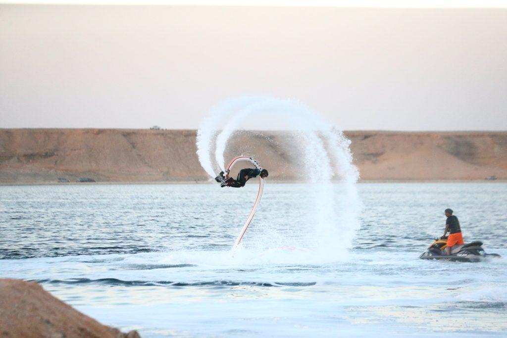 انطلاق فعاليات بطولة الدبابات البحرية الخليجية بدومة الجندل