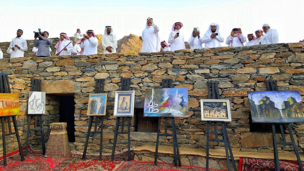 ذي عين التراثية تقيم حفل تراثي وعرض تجارب ترميم القرية