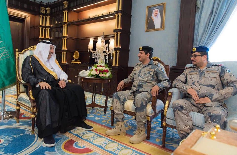 أمير الباحة ينوه بالجهود التي يبذلها رجال حرس الحدود للدفاع عن حدود الوطن