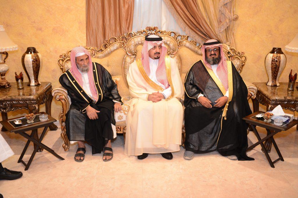 أمير عسير يعزي أسرة المرحوم المهندس فهد بن سعيد الفرطيش