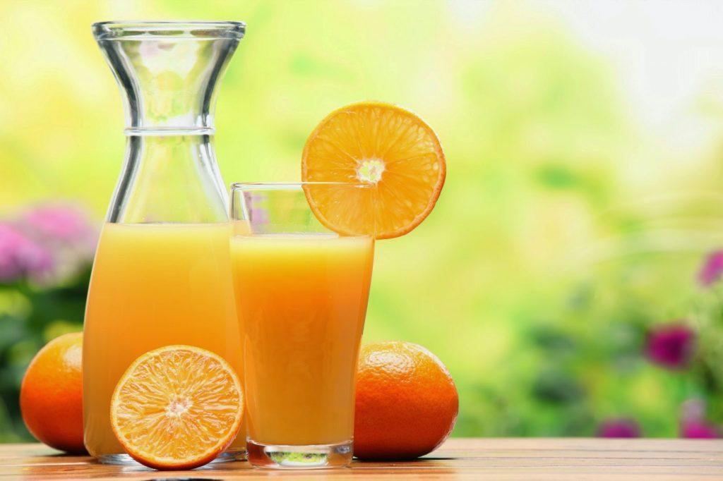 إذا كنت تعاني من هشاشة العظام.. عليك بعصير البرتقال يوميا