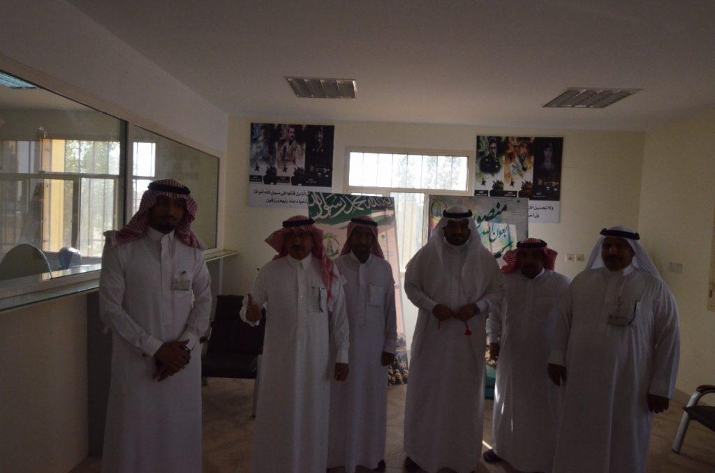أمين الجوف يدشن مبادرة منصورين لدعم الجنود المرابطين
