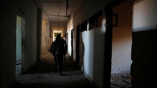 """التحالف يُقر بـ""""احتمال"""" فرار 300 مقاتل داعشي من الرقة"""