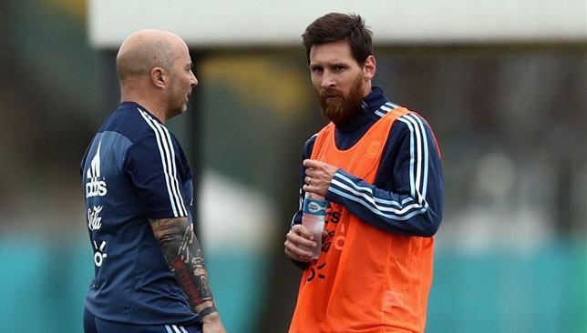 مدرب الأرجنتين يطلب مواجهة المنتخب السعودي وديا