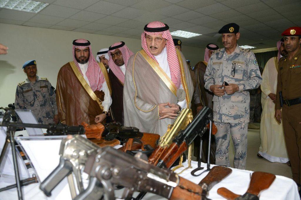 الأمير محمد بن ناصر يتفقد قيادة حرس الحدود بجازان