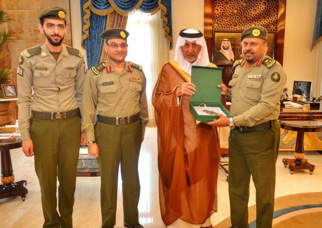 أمير منطقة مكة المكرمة ونائبه يتسلمان التقرير السنوي لجوازات المنطقة