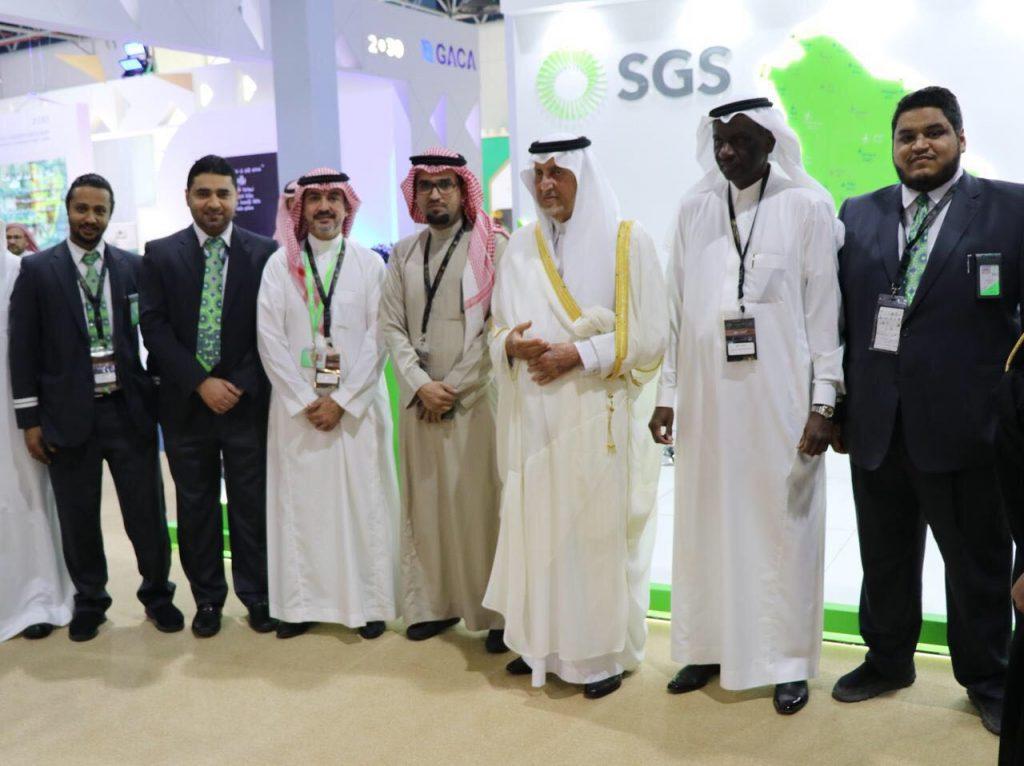 أمير منطقة مكة يزور جناح الشركة السعودية للخدمات الارضية في معرض إعمار