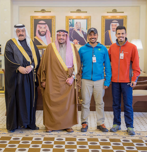 أمير القصيم يستقبل الرحالة العمير كأول عربي سعودي يطوف حول العالم بالدراجة الهوائية