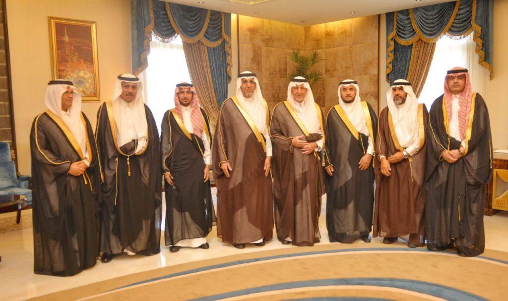 أمير منطقة مكة المكرمة يلتقي محافظ الهيئة السعودية للمواصفات والمقاييس والجودة وعددٌ من منسوبي الهيئة