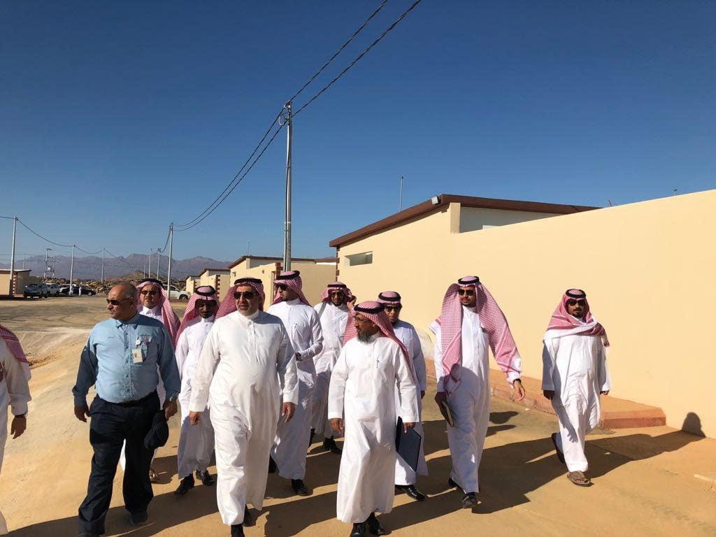 محافظ ينبع قام بجولة ميدانية على مشروع الأسكان الخيري بعدد من مراكز المحافظة
