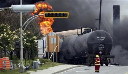 النفط يغلق عند أعلى مستوياته في ثلاث سنوات