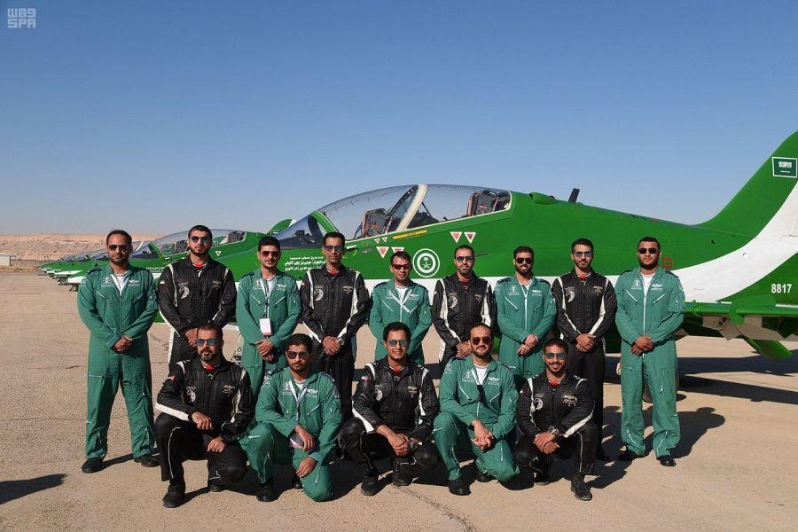 صقور السعودية وفرسان الإمارات يجسدون روح التلاحم في سماء الرياض