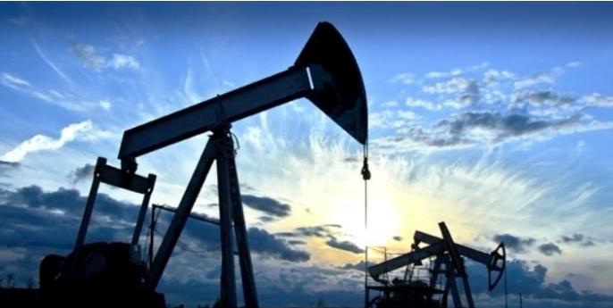 النفط يسجل أعلى مستوى منذ منتصف 2015