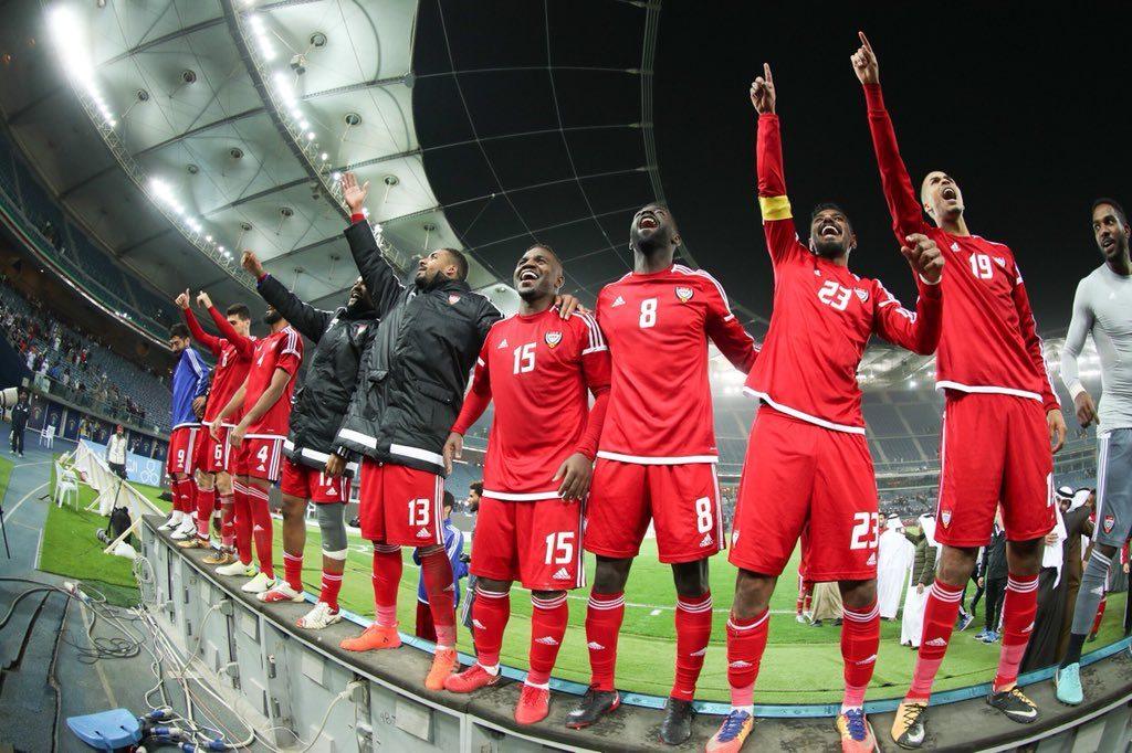 محمد بن راشد يأمر بطائرة لنقل المشجعين إلى الكويت لمؤازرة منتخب الإمارات
