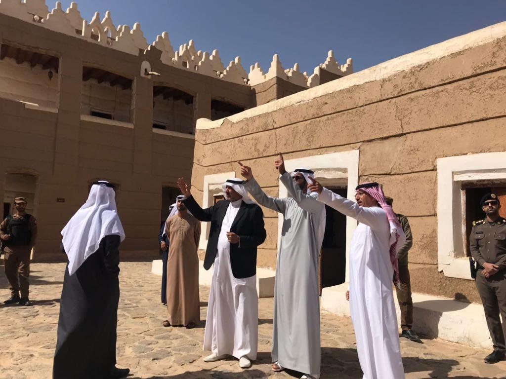 سفير دولة الإمارات العربية المتحدة يزور المواقع الأثرية والتاريخية في نجران