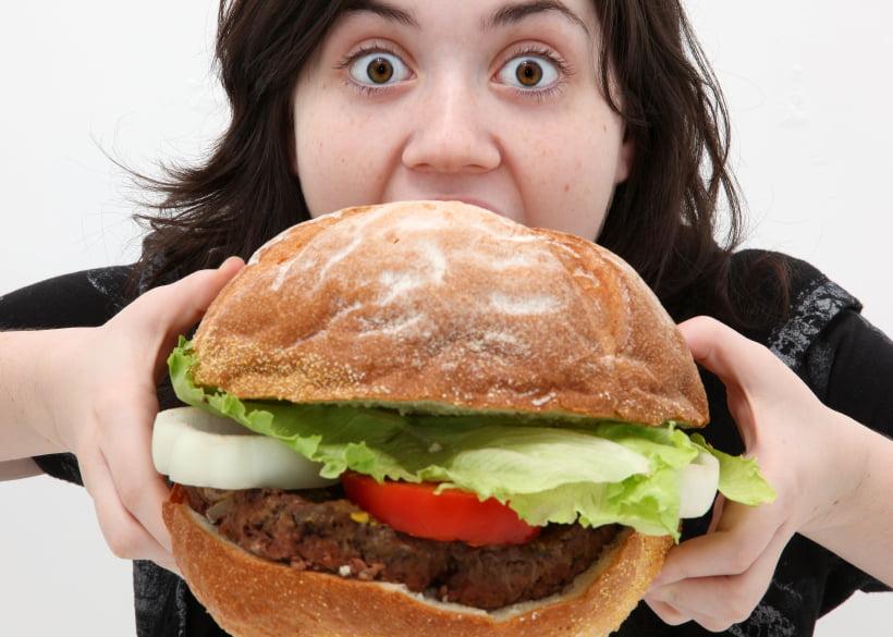 دراسة تكشف  سر زيادة وزنك شتاء وتراجعه صيفا
