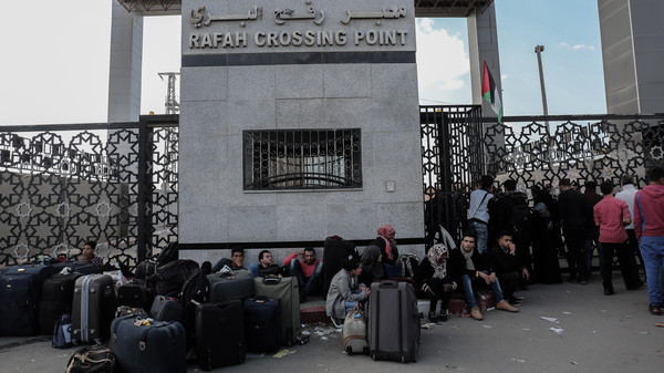 غارة إسرائيلية بالقرب من معبر رفح الحدودي بين مصر وغزة