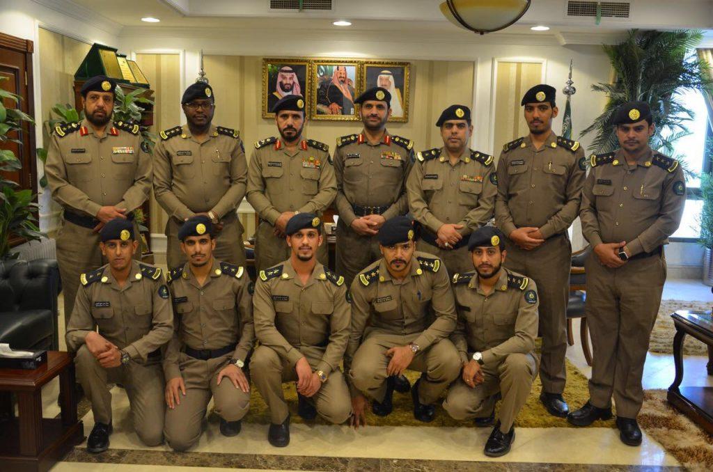 اللواء الشمراني يقلد عدد من الضباط رتبهم الجديدة