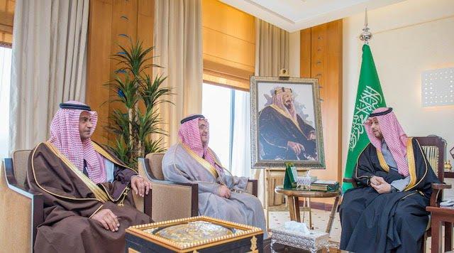 نائب أمير القصيم يستقبل رئيس مجلس إدارة الغرفة التجارية الصناعية وأمين الغرفة الجديد