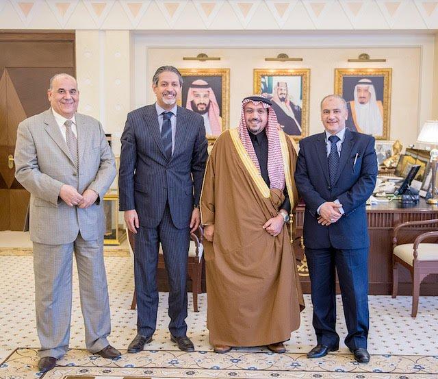 أمير القصيم يستقبل رئيس القسم القنصلي في مصر لدى الرياض