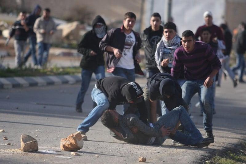 إصابة العشرات من الفلسطينيين خلال مواجهات مع الاحتلال في غزة