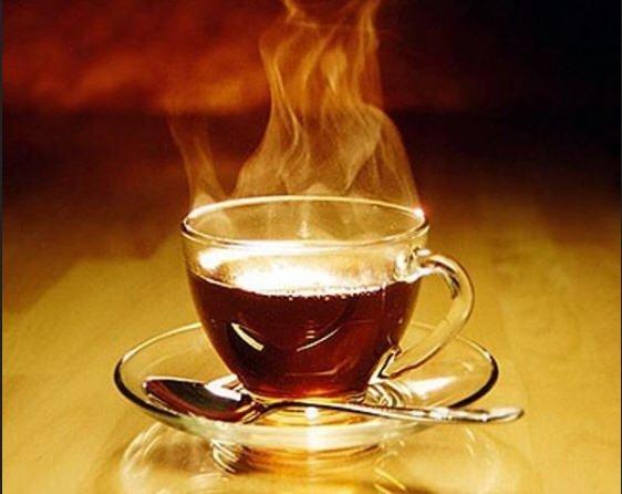 الشاي الحار يزيد من احتمالات الاصابة بالسرطان