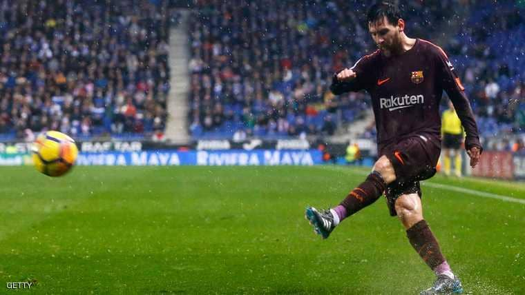 """ميسي رفض عرضا خياليا واكتفى """"بالربع"""" مع برشلونة"""