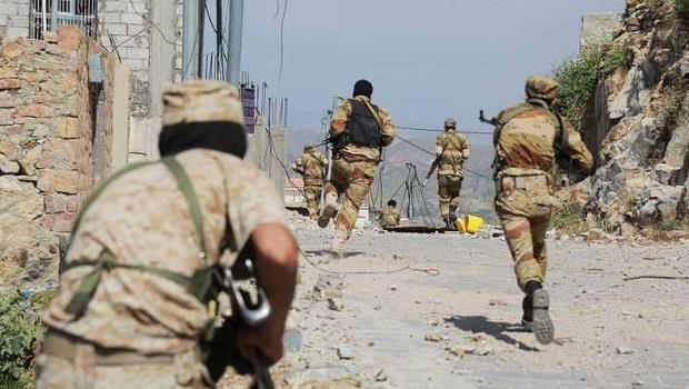 انهيارات متتالية في صفوف الميليشيات.. ومقتل قائد الجبهة الشمالية للحوثيين في تعز
