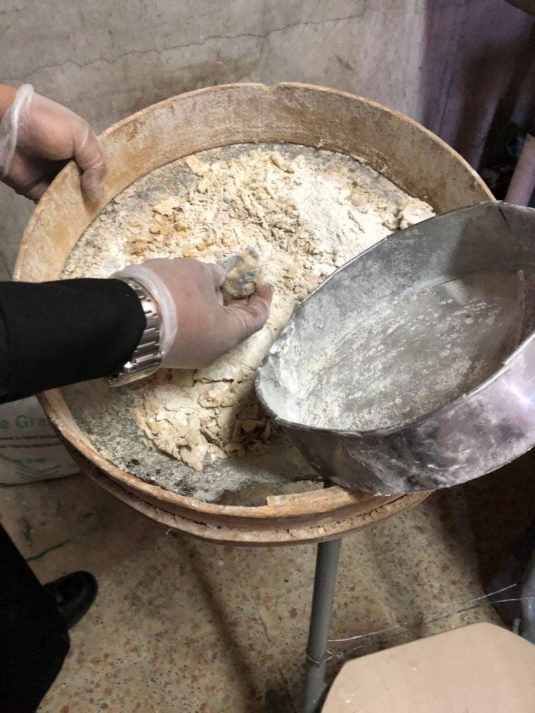 ضبط مخبز (مغلق) يعد الوجبات والفطائر في العويقيلة