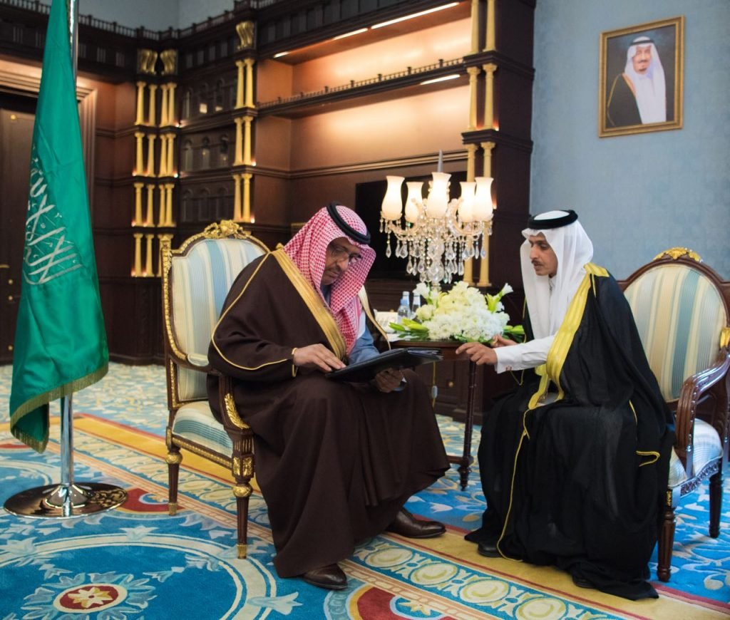 أمير الباحة يعتمد جدول برامج وفعاليات أعمال لجنة حماية البيئة لهذا العام