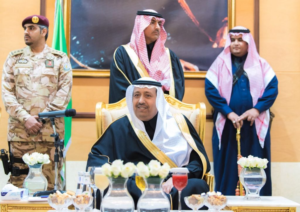 أمير الباحة يلتقي المسئولين ومشائخ القبائل وأهالي المنطقة