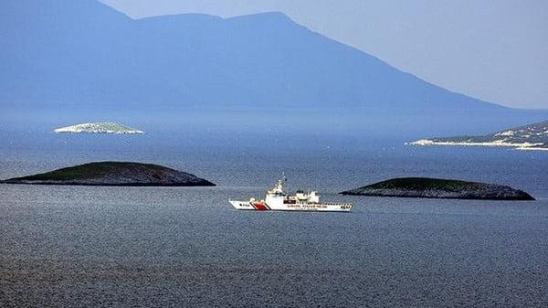 بعد تصادم دوريتين بحريتين.. اليونان تحذر تركيا