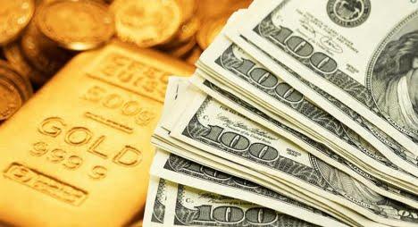 أسعار الذهب ترتفع مع تراجع الدولار