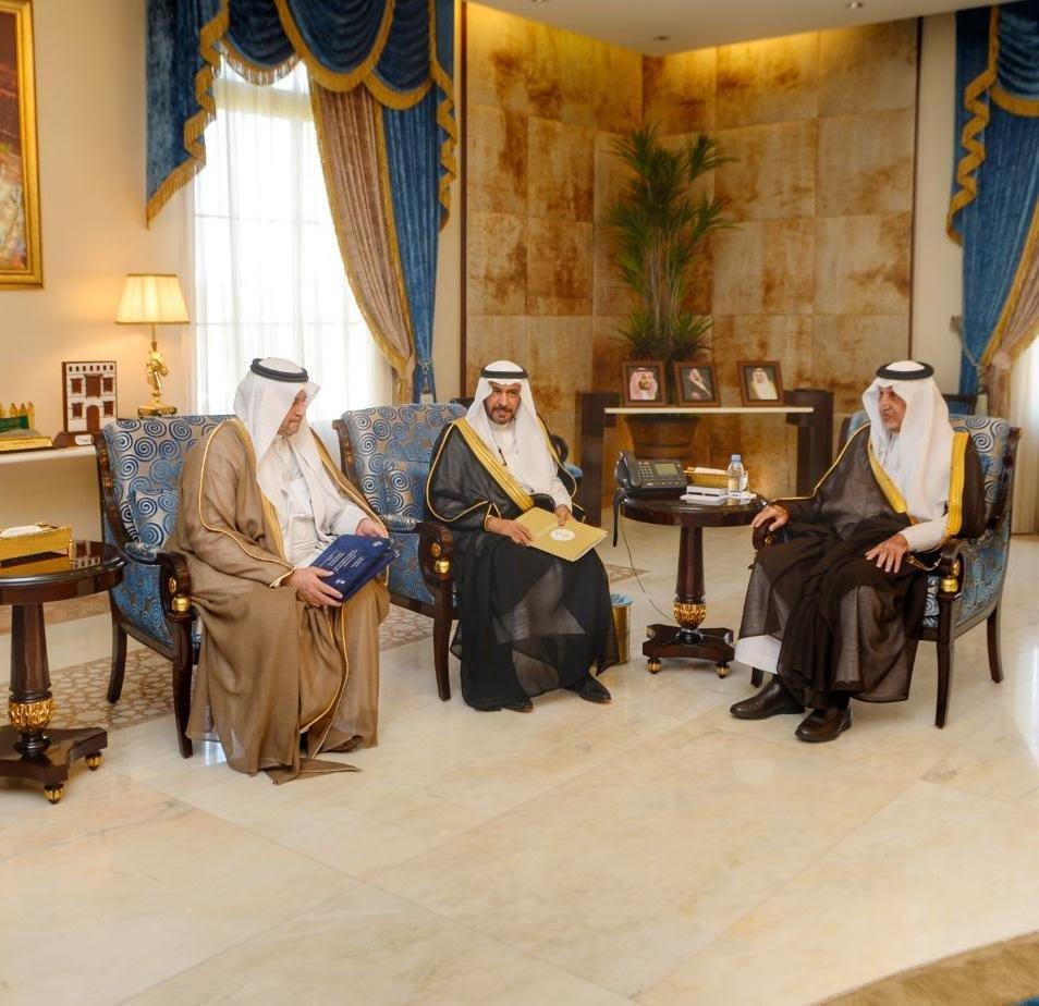 أمير منطقة مكة المكرمة يستقبل رئيس الهيئة السعودية للحياة الفطرية
