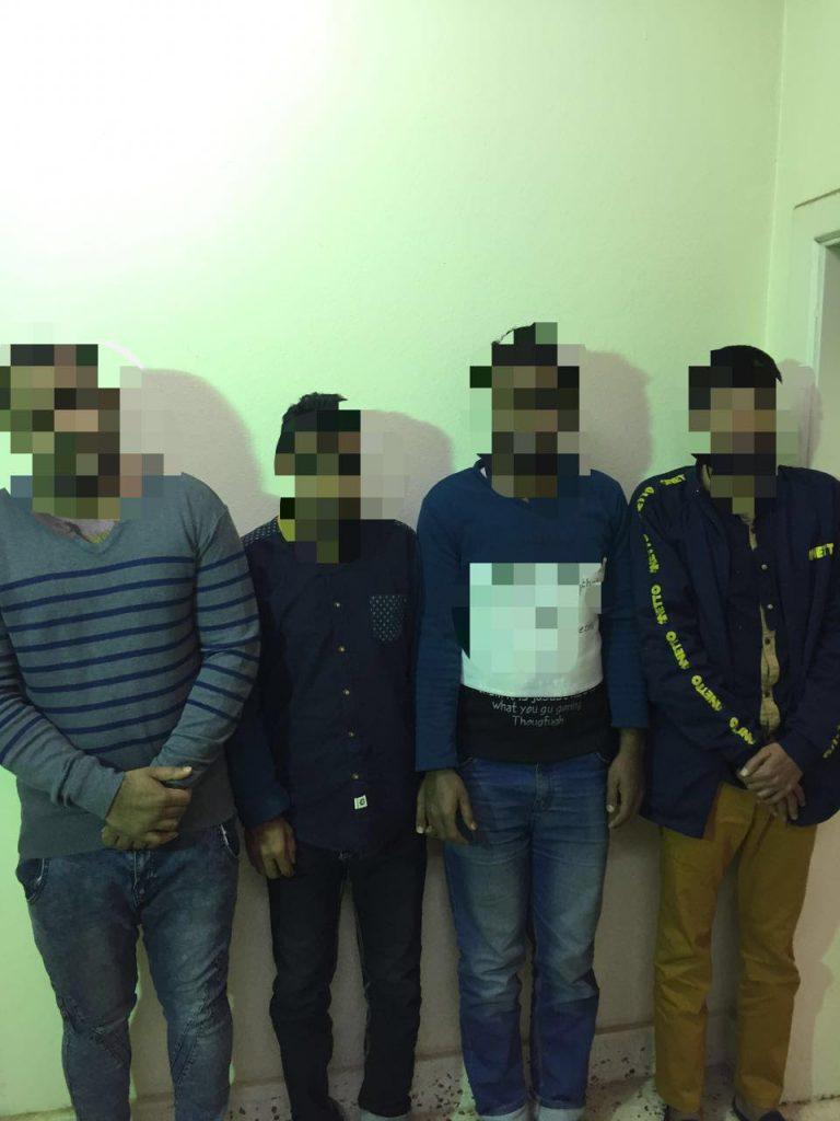 شرطة الرياض تطيح ب (٤) مخالفين تهجموا على مقيم بعد اركابه بالقوه اثر خلاف مالي